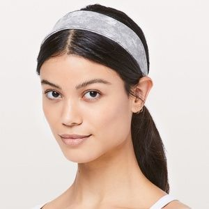 NWT Fly Away Tamer Headband II-WSMS-One Size